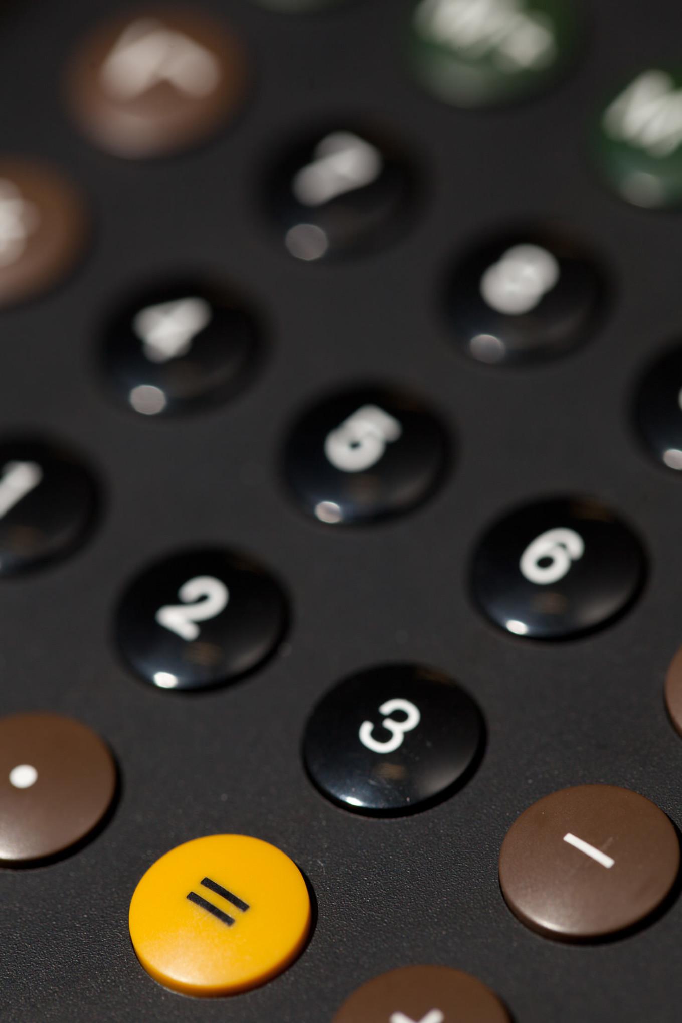 Braun Taschenrechner Tasten